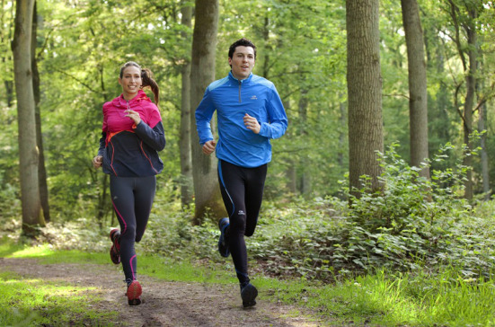 Springa i skogen